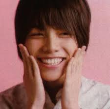 ジャニーズWest重岡大毅の笑顔画像がかわいい?顔文字は?